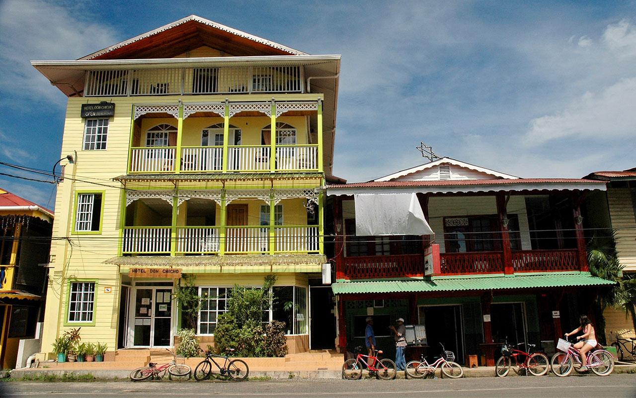 Bocas Colón